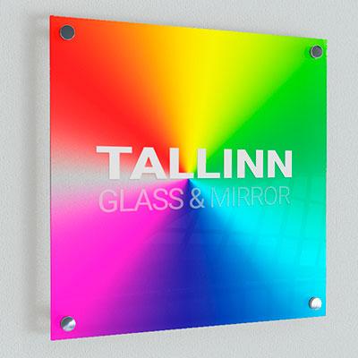 Taustavärvitud klaasid